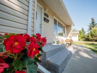 Photo 2:  in : West Meadowlark Park House for sale (Edmonton)