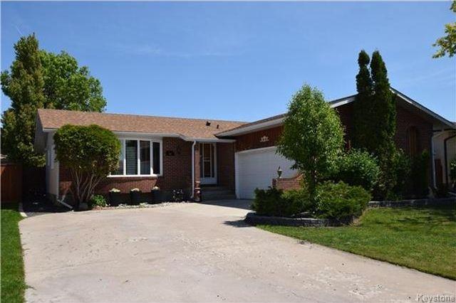 Main Photo: 96 Farlinger Bay in Winnipeg: Parkway Village Residential for sale (4F)  : MLS®# 1714137