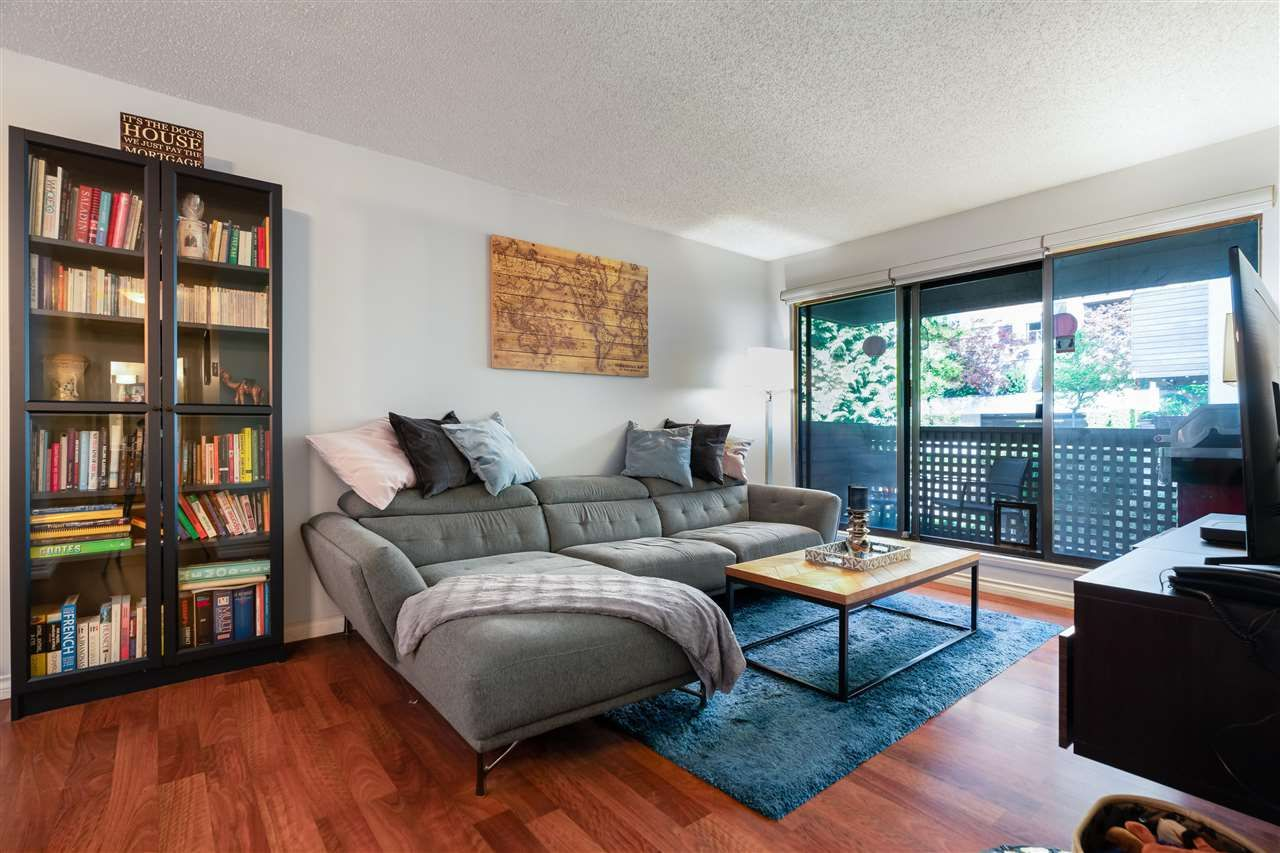 """Main Photo: 212 423 AGNES Street in New Westminster: Downtown NW Condo for sale in """"THE RIDGEVIEW"""" : MLS®# R2588077"""