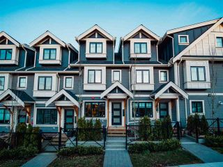 """Photo 1: 2496 ST. CATHERINES Street in Vancouver: Mount Pleasant VE Townhouse for sale in """"BRAVO ON BROADWAY"""" (Vancouver East)  : MLS®# R2452181"""