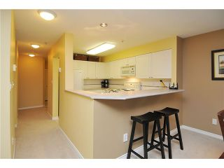Photo 5: 204 3770 THURSTON Street in Burnaby: Central Park BS Condo for sale (Burnaby South)  : MLS®# V944105