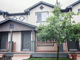 Photo 2: 53 105 DRAKE LANDING Common: Okotoks Row/Townhouse for sale : MLS®# C4257237
