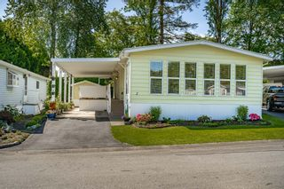 """Photo 3: 2 13507 81 Avenue in Surrey: Queen Mary Park Surrey Manufactured Home for sale in """"Park Boulevard Estates"""" : MLS®# R2460822"""