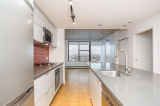 """Photo 3: 2002 108 W CORDOVA Street in Vancouver: Downtown VW Condo for sale in """"Woodwards"""" (Vancouver West)  : MLS®# R2525607"""