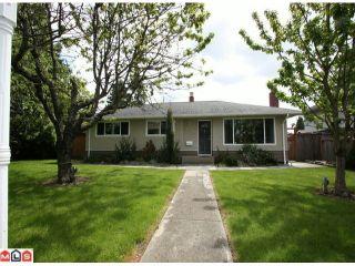 Photo 1: 12572 CENTRE Drive in Surrey: Cedar Hills House for sale (North Surrey)  : MLS®# F1113518