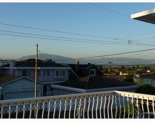 Photo 3: Photos: 1661 E 36TH Avenue in Vancouver: Knight House for sale (Vancouver East)  : MLS®# V782560