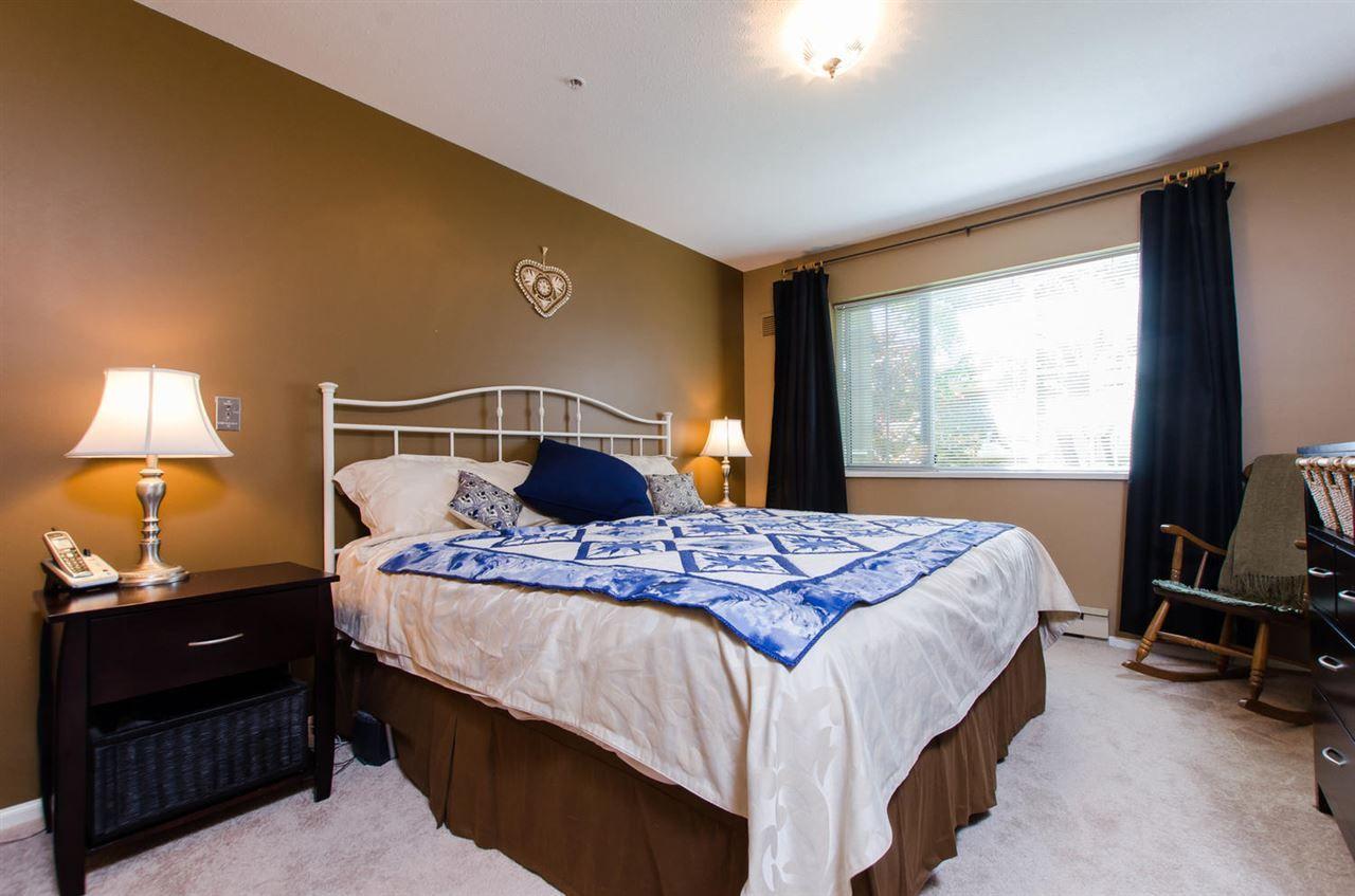 "Photo 8: Photos: 216 2239 152 Street in Surrey: Sunnyside Park Surrey Condo for sale in ""Semiahmoo Estates"" (South Surrey White Rock)  : MLS®# R2163990"