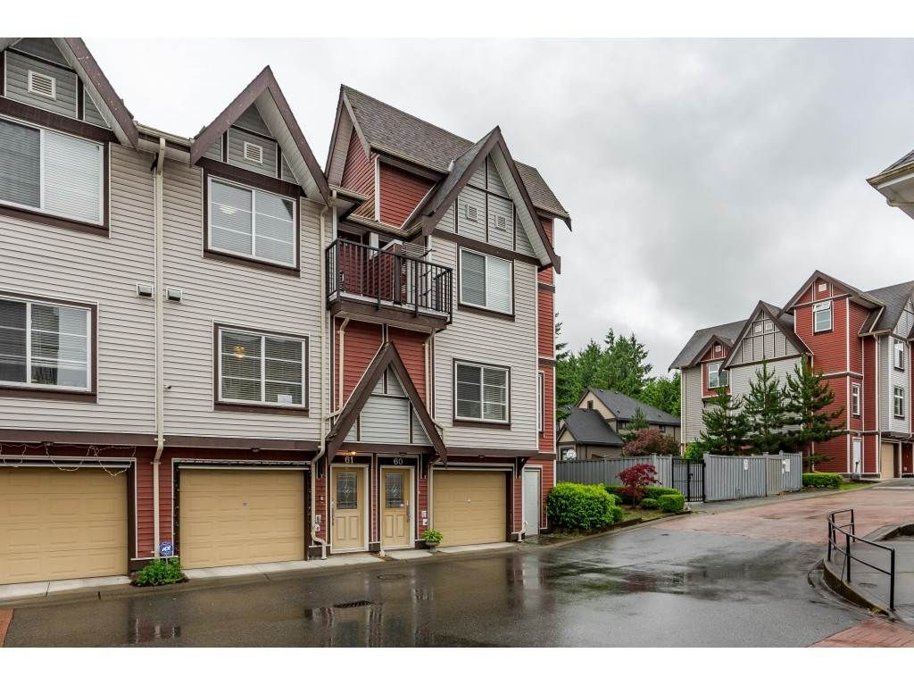 Main Photo: 61 9405 121 Street in Surrey: Queen Mary Park Surrey Townhouse for sale : MLS®# R2472241