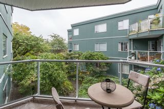 """Photo 15: 203 1550 MARINER Walk in Vancouver: False Creek Condo for sale in """"Mariners Point"""" (Vancouver West)  : MLS®# R2288697"""