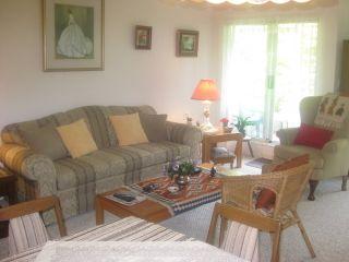 Photo 3: 201 2020 CEDAR VILLAGE Crescent: Westlynn Home for sale ()  : MLS®# V848309