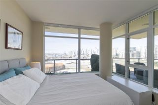 """Photo 13: 1008 1708 COLUMBIA Street in Vancouver: False Creek Condo for sale in """"Wall Centre- False Creek"""" (Vancouver West)  : MLS®# R2560917"""