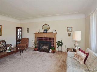 Photo 4:  in VICTORIA: OB Henderson House for sale (Oak Bay)  : MLS®# 606914