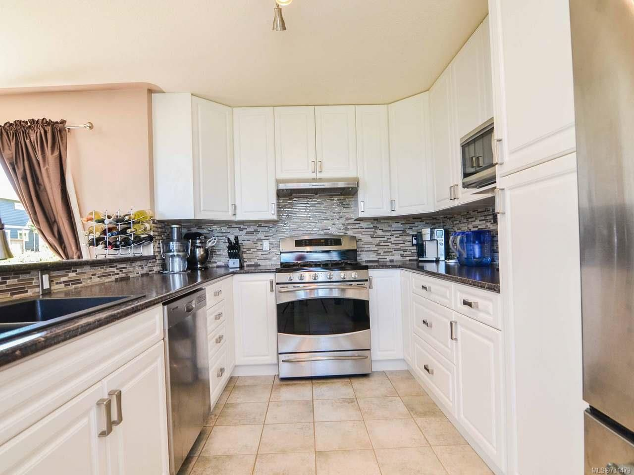 Photo 13: Photos: 753 Bowen Dr in CAMPBELL RIVER: CR Willow Point House for sale (Campbell River)  : MLS®# 731479