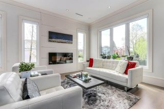 Photo 2: 105 W 44TH Avenue in Vancouver: Oakridge VW House for sale (Vancouver West)  : MLS®# R2177934