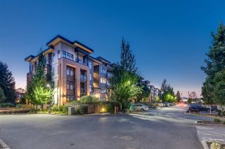 """Photo 4: 305 20062 FRASER Highway in Langley: Langley City Condo for sale in """"VARSITY"""" : MLS®# R2508491"""