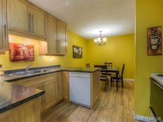 Photo 3: 2 1331 Johnson St in VICTORIA: Vi Downtown Condo for sale (Victoria)  : MLS®# 744195