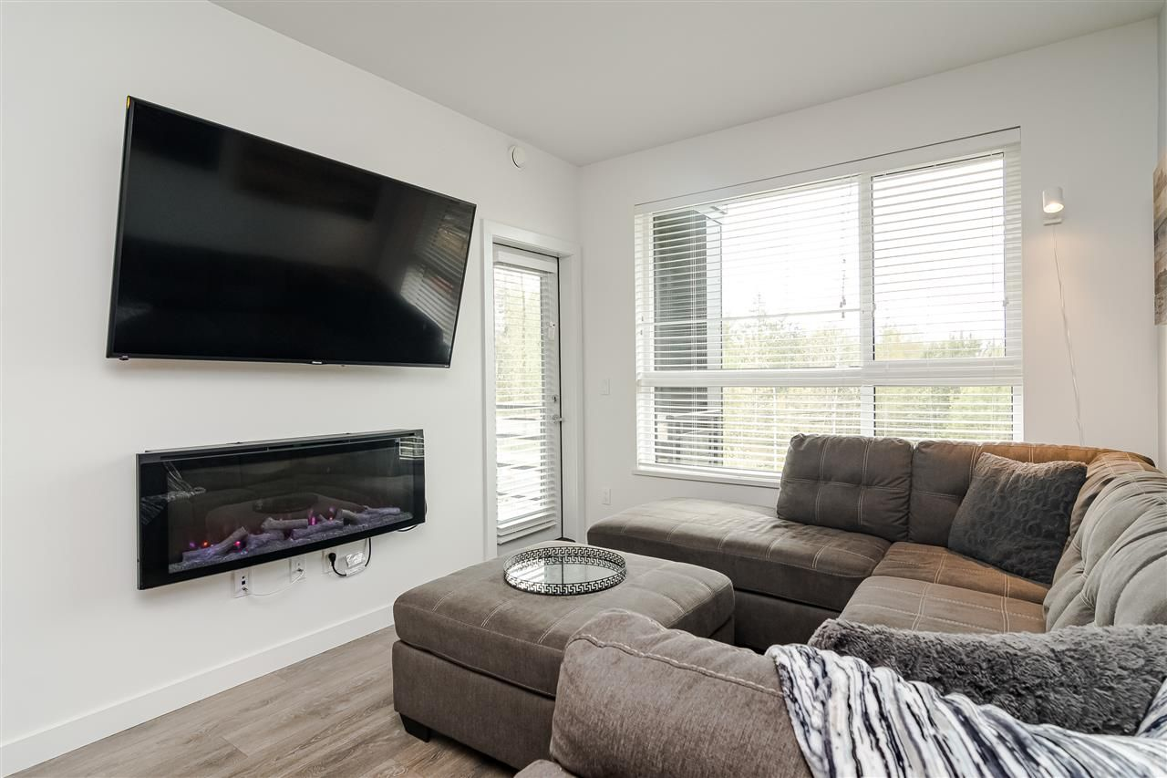 """Photo 10: Photos: 306 20829 77A Avenue in Langley: Willoughby Heights Condo for sale in """"The Wex"""" : MLS®# R2509468"""