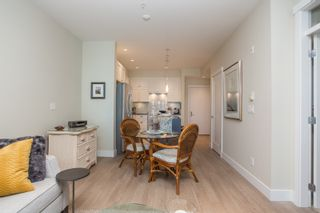 """Photo 8: 415 14855 THRIFT Avenue: White Rock Condo for sale in """"The Royce"""" (South Surrey White Rock)  : MLS®# R2538329"""