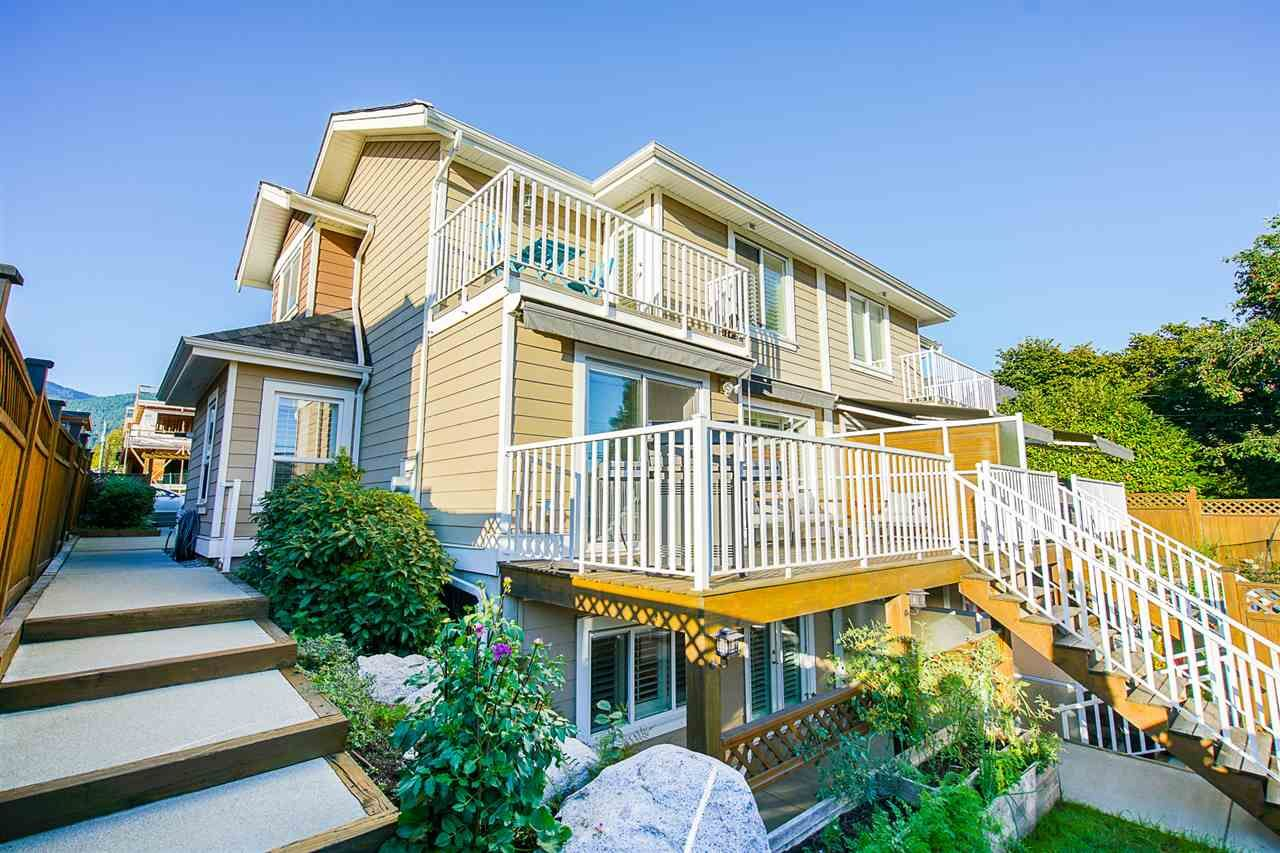 Main Photo: 205 E 18TH Street in North Vancouver: Central Lonsdale 1/2 Duplex for sale : MLS®# R2503676