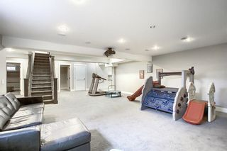 Photo 32: 72 Strathbury Circle SW in Calgary: Strathcona Park Detached for sale : MLS®# A1107080