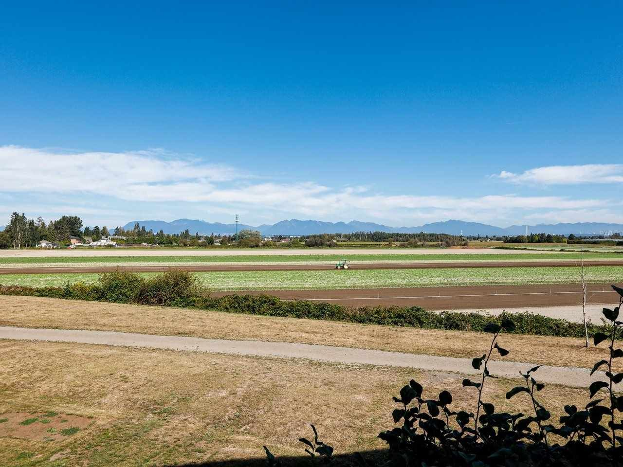 """Main Photo: 204 6233 LONDON Road in Richmond: Steveston South Condo for sale in """"LONDON STATION 1"""" : MLS®# R2404528"""