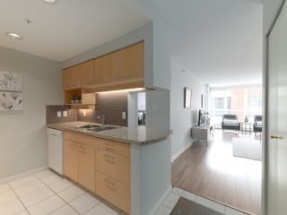 "Photo 11: 10A 199 DRAKE Street in Vancouver: Yaletown Condo for sale in ""Concordia 1"" (Vancouver West)  : MLS®# R2528895"