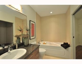"""Photo 4: 203 2008 E 54TH Avenue in Vancouver: Fraserview VE Condo for sale in """"CEDAR 54"""" (Vancouver East)  : MLS®# V798587"""