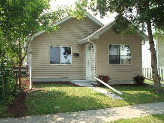 Photo 2: 196 Notre Dame Street in WINNIPEG: St Boniface Residential for sale (South East Winnipeg)  : MLS®# 1518178