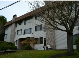 """Photo 1: 202 1410 BLACKWOOD Street: White Rock Condo for sale in """"CHELSEA HOUSE"""" (South Surrey White Rock)  : MLS®# F1228076"""