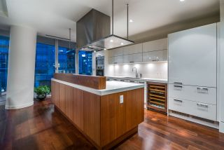 """Photo 8: 301 1560 HOMER Mews in Vancouver: Yaletown Condo for sale in """"The Erickson"""" (Vancouver West)  : MLS®# R2618020"""