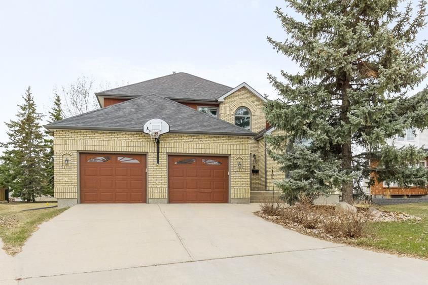 Main Photo: 10 Sandstone Place in Winnipeg: Whyte Ridge Residential for sale (1P)  : MLS®# 202109859