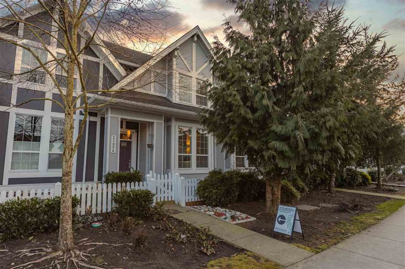 FEATURED LISTING: 21056 80 Avenue Langley