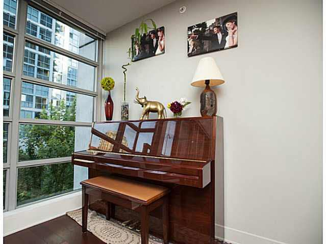 """Photo 15: Photos: 315 1255 SEYMOUR Street in Vancouver: Downtown VW Townhouse for sale in """"The Elan"""" (Vancouver West)  : MLS®# V1077114"""