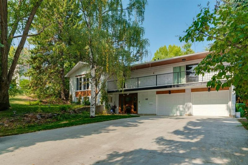 FEATURED LISTING: 62 Massey Place Southwest Calgary
