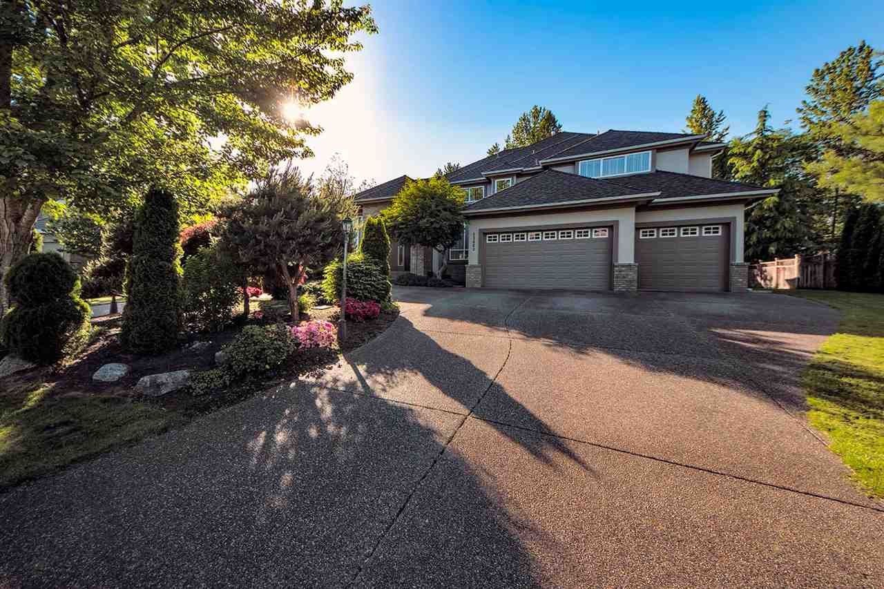 Main Photo: 13663 21A Avenue in South Surrey White Rock: White Rock House for sale : MLS®# R2375190