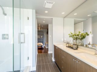 """Photo 28: 2001 1055 RICHARDS Street in Vancouver: Downtown VW Condo for sale in """"Donovan"""" (Vancouver West)  : MLS®# R2555936"""