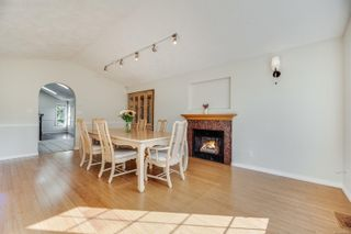 Photo 18: 4005 Santa Rosa Pl in Saanich: SW Strawberry Vale House for sale (Saanich West)  : MLS®# 884709
