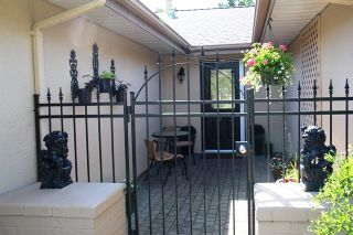 Photo 3: 1723 146TH Street in South Surrey White Rock: Home for sale : MLS®# F1412558
