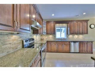 Photo 7: 1170 Deerview Pl in VICTORIA: La Bear Mountain House for sale (Langford)  : MLS®# 729928