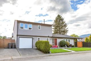 Photo 2: 1158 ESPERANZA Drive in Coquitlam: New Horizons House for sale : MLS®# R2581234