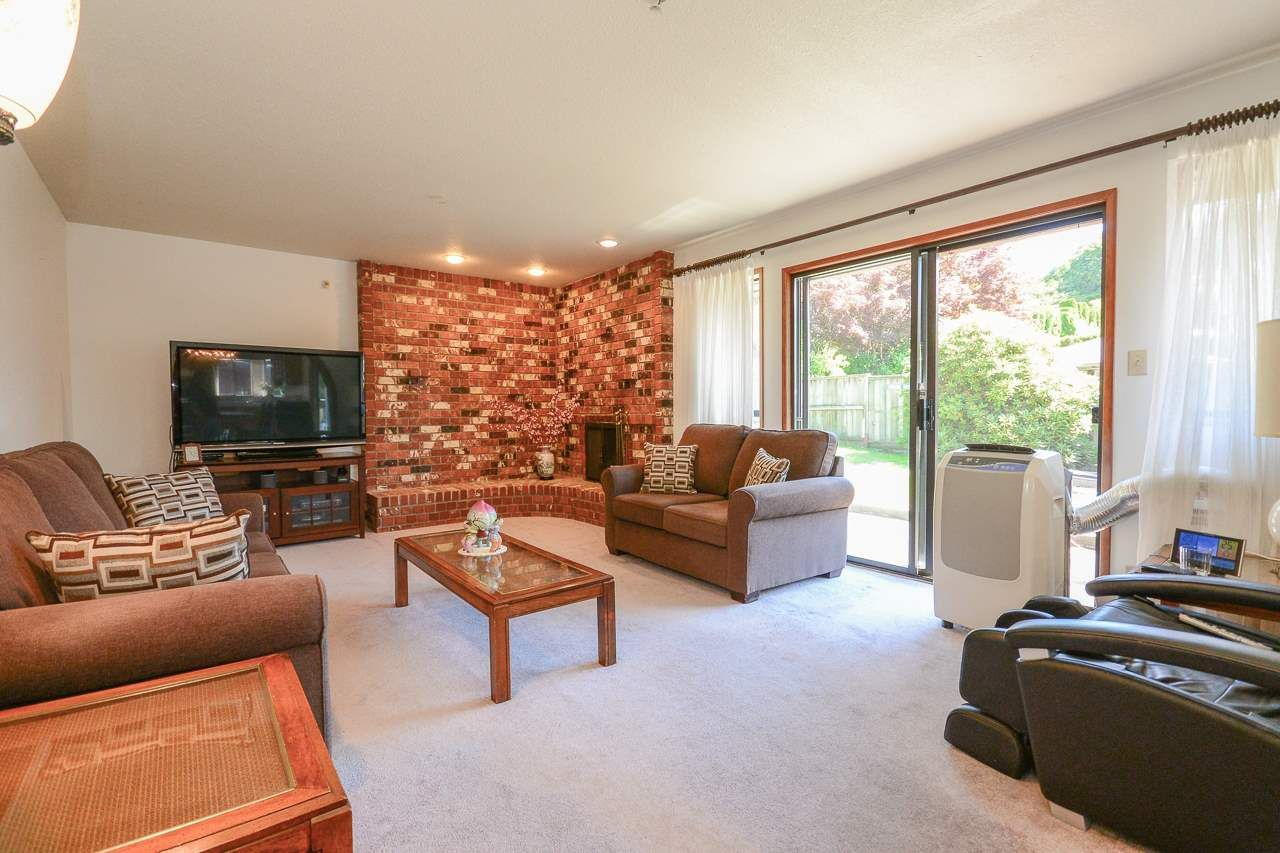 Photo 9: Photos: 1230 PHILLIPS AVENUE in Burnaby: Simon Fraser Univer. House for sale (Burnaby North)  : MLS®# R2288510
