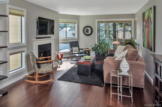 Photo 1: 205 406 Simcoe St in VICTORIA: Vi James Bay Condo for sale (Victoria)  : MLS®# 762231