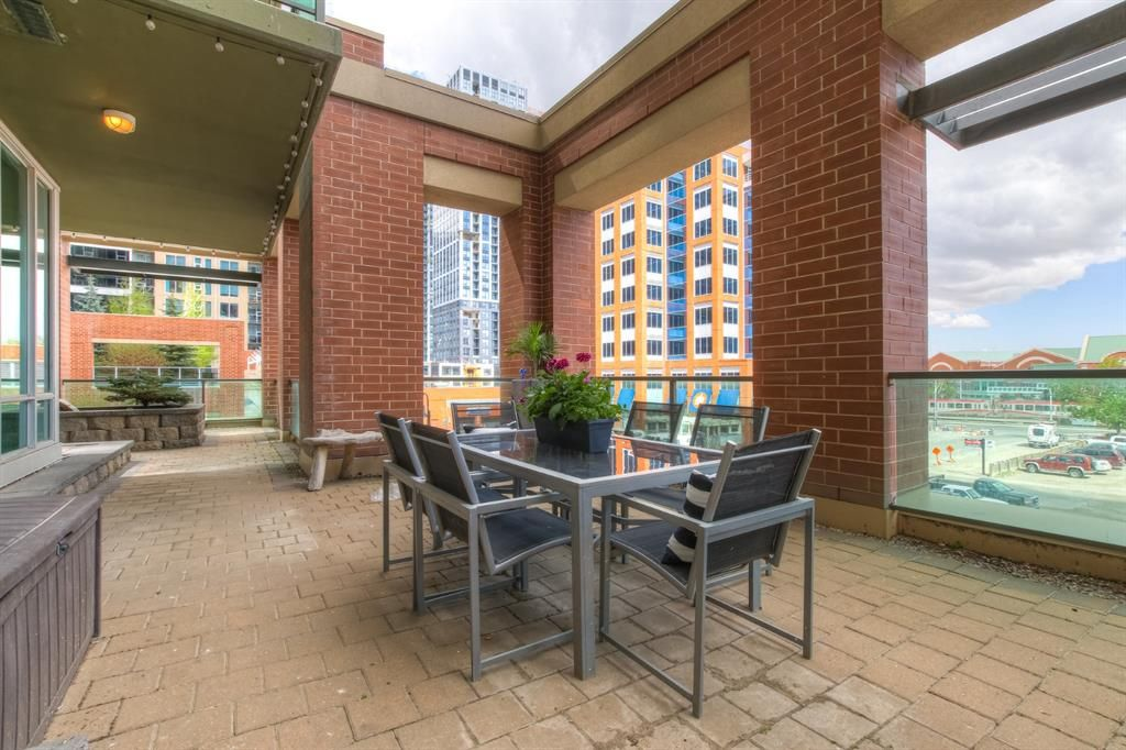 Main Photo: 205 1410 1 Street SE in Calgary: Beltline Apartment for sale : MLS®# A1109879