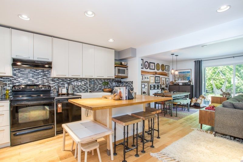 """Main Photo: 39826 NO NAME Road in Squamish: Northyards Townhouse for sale in """"Mamquam Mews"""" : MLS®# R2304302"""