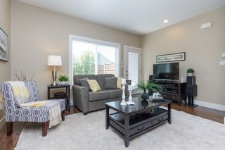 Photo 4: 10 1893 Prosser Rd in Central Saanich: CS Saanichton Row/Townhouse for sale : MLS®# 789357