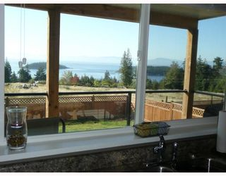 "Photo 2: 6373 PICADILLY Place in Sechelt: Sechelt District House for sale in ""W. SECHELT"" (Sunshine Coast)  : MLS®# V789701"