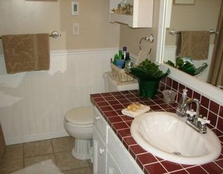 """Photo 7: 9631 GLENACRES Drive in Richmond: Saunders House for sale in """"SAUNDERS"""" : MLS®# V623519"""