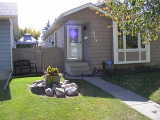 Main Photo: 913 Erin Woods Drive SE in Calgary: Erin Woods Detached for sale : MLS®# A1148656