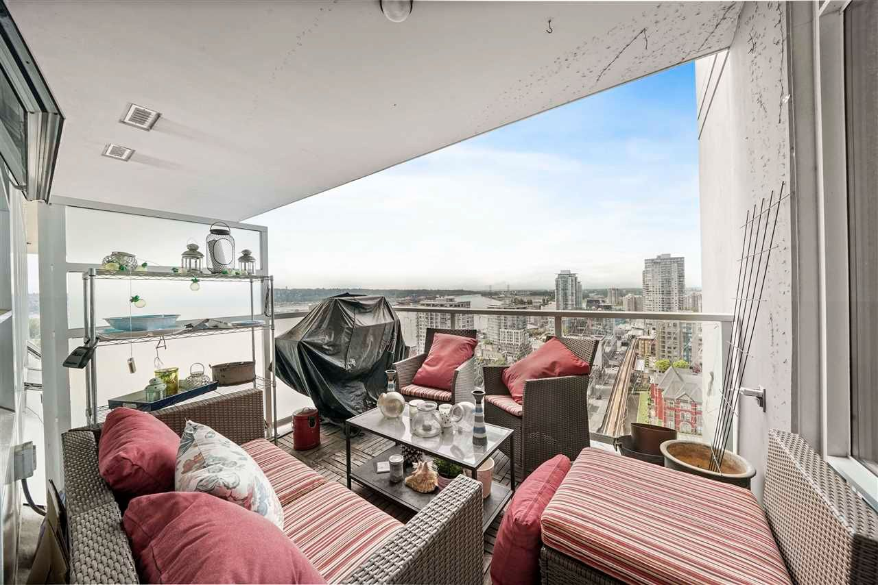 """Photo 25: Photos: PH7 39 SIXTH Street in New Westminster: Downtown NW Condo for sale in """"QUANTUM"""" : MLS®# R2575142"""