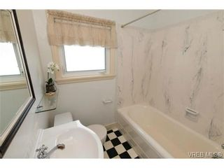 Photo 12: 3102 Earl Grey St in VICTORIA: SW Gorge House for sale (Saanich West)  : MLS®# 735746